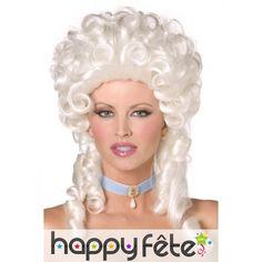Superbe perruque baroque, bouclée et coiffée, de couleur blond platine, pour femme.
