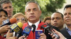 Rafael Veloz: Psuv ha solicitado la renuncia de Maduro