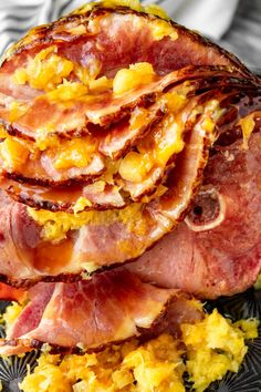 Easy Instant Pot Ham -- you simply can't go wrong with this simple pressure cooker ham recipe. All you need is a bone-in spiral ham + crushed pineapple & brown sugar to make the easiest, most delicious ham ever! Honey Baked Ham, Crispy Baked Chicken, Ham Recipes, Healthy Recipes, Family Recipes, Pressure Cooker Ham, Slow Cooker, Instant Pot Ham Recipe, My Favorite Food