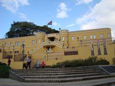 Algo importante de la historia Costa Rica National Museo. A las personas de Costa Rica le gusta el arte.