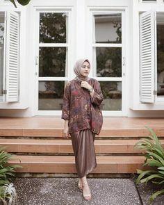 Tips Memakai Batik Kebaya Muslim, Kebaya Hijab, Kebaya Brokat, Kebaya Dress, Batik Kebaya, Batik Muslim, Kebaya Modern Dress, Model Kebaya Modern, Hijab Gown