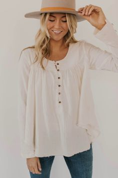 Free People Sand Dune Henley - - Scarlett Home Preppy Outfits, Cute Outfits, Fashion Outfits, Womens Fashion, Fashion Tips, Fashion Edgy, Fashion Fall, Feminine Fashion, Ladies Fashion