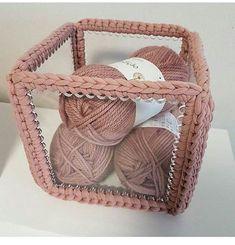 Sewing storage bags fabric basket tutorial 16 Ideas for 2019 Crochet Video, Crochet Box, Crochet Purses, Knit Crochet, Sewing Pattern Storage, Sewing Box, Crochet Stitches, Crochet Patterns, Sewing Patterns