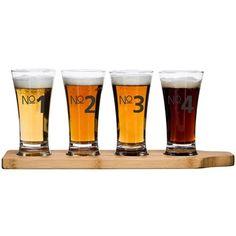 Sett med fire nummererede ølglass på brett!