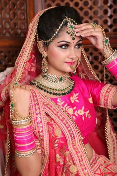 bridal jewelry for the radiant bride Indian Bride Photography Poses, Indian Bride Poses, Indian Wedding Poses, Indian Bridal Photos, Indian Wedding Couple Photography, Wedding Couple Poses, Bridal Photography, Hindu Wedding Photos, Tamil Wedding