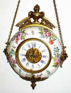 Guess this is a clock and not a watch, but I pinned it anyway, because it is lovely!  (gaw)  Antique Clock Details  BEAUTIFUL<3<3<3 @