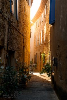 We are staying in gorgeous Lourmarin, Provence...Can.Not.Wait!!