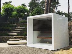 Buitensauna | Sauna kopen | Infraroodsauna | Stoomcabine - Thermalux Modern Saunas, Outdoor Sauna, Sauna Design, Outdoor Furniture, Outdoor Decor, Outdoor Spaces, Tiny House, New Homes, Home Appliances