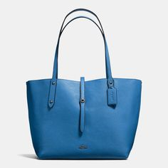 COACH-1/2 Price- stunning with jeans -Market Tote In Printed Pebble Leather