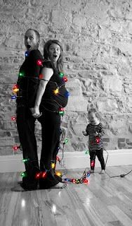 I love this idea for a holiday picture :)