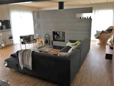 Kühles Wohnzimmer vor Umgestaltung Modern, Couch, Furniture, Home Decor, Environment, Cozy Living, Cosy House, Detached House, Living Room