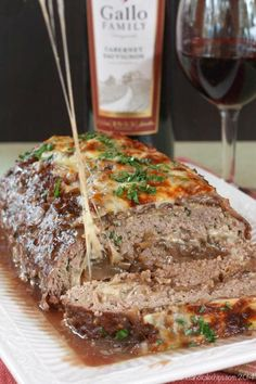French Onion Soup au Gratin Stuffed Meatloaf - caramelized onions and cheese turn this traditional recipe into the ultimate comfort food Meatloaf Recipes, Beef Recipes, Cooking Recipes, Yummy Recipes, Group Recipes, Beef Meals, Amish Recipes, Dutch Recipes, Shrimp Recipes