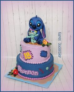 Stitch - cake by Karen Dodenbier Lilo And Stitch Cake, Lilo Et Stitch, Disney Desserts, Disney Cakes, Beautiful Cakes, Amazing Cakes, Kreative Snacks, Pretty Birthday Cakes, Character Cakes