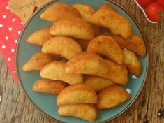 Üç Malzemeli Mayasız Pişi Nasıl Yapılır? Turkish Recipes, Ethnic Recipes, Snack Recipes, Snacks, Onion Rings, Chips, Yummy Food, Vegetables, Breakfast