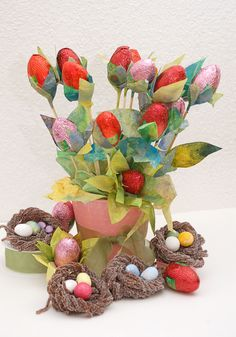 Easter Candy Looks Better in a Bouquet! How-To Instructions --> http://www.hgtvgardens.com/crafts/easter-candy-bouquet?soc=pinterest
