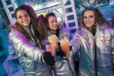 Bailando la música de los '80 en el bar de hielo