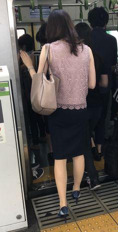 Black High Heels, Office Ladies, Ao Dai, Rock, Stiletto Heels, Celebrities, Lady, Womens Fashion, How To Wear