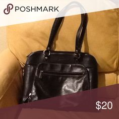 Handbag/Laptop bag Franklin Covey black leather bag. Pockets, dividers, and zippers, oh my!  Big enough to carry a std laptop. Franklin Covey Bags Travel Bags