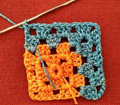 Mitered granny square free pattern The Effective Pictures We Offer You About how to crochet A quality picture can tell you many things. Crochet Bedspread Pattern, Crochet Quilt, Granny Square Crochet Pattern, Crochet Stitches Patterns, Crochet Squares, Crochet Motif, Crochet Yarn, Sac Granny Square, Point Granny Au Crochet