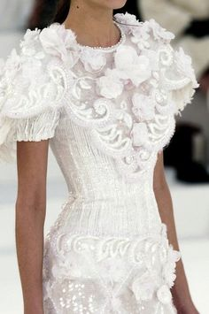 Chanel Fashion Show Couture , New trends and luxury details that make a difference