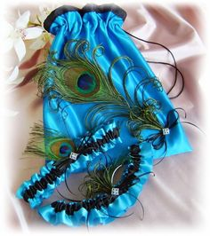 peacock themed wedding centerpeices | Peacock Pillow Basket - Turquoise Peacock Feathers Weddings Ring ...