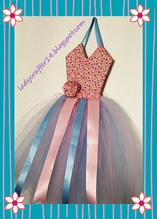 Hanging Dress Hair Bow Holder #diy #tutorial