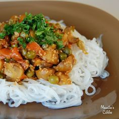 Taitei chinezesti cu legume / Chinese noodles and vegetables - Madeline's Cuisine