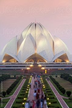 India, Delhi, Lotus Temple, the Baha'i House of Worship, popularly known as the Lotus Temple by Gavin Hellier Indian Architecture, Religious Architecture, Futuristic Architecture, Amazing Architecture, Architecture Design, Beautiful Places To Visit, Cool Places To Visit, Lotus Temple, Mekka