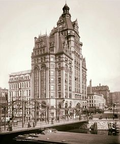 Early view of the Pabst Building in downtown Milwaukee just east of the Milwaukee River.