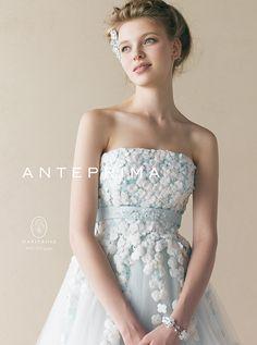 アクア・グラツィエがセレクトした、ANTEPRIMA(アンテプリマ)のウェディングドレス、ANT1010をご紹介いたします。