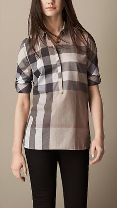 Burberry women's shirts and tops refined through pattern and proportion, in silk and cotton. Camisa Burberry, Casual Wear, Men Casual, Burberry Women, Cotton Tunics, Thinspiration, Collar Shirts, Silk Top, Nice Tops