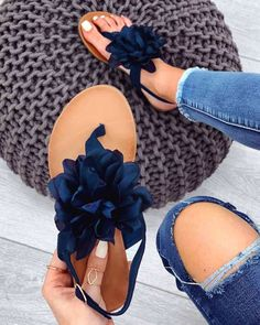 Flip flops with applied flower www. Sandals Outfit, Cute Sandals, Cute Shoes, Me Too Shoes, Shoes Sandals, Stylo Shoes, Cute Slippers, Online Shopping Shoes, Crochet Shoes