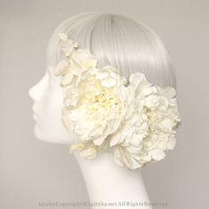 髪飾り・ヘッドドレス/芍薬のヘッドコサージュ - ウェディングヘッドドレス&花髪飾りairaka