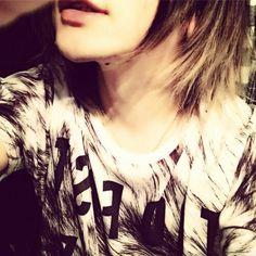 Ruki (the GazettE) ♡ω♡ can I kiss his neck? ^ω^(*´ω`*) >ω<