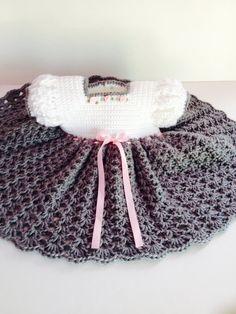 Crochet bebé vestido gris y blanco vestido de bebé por GoingCrafty