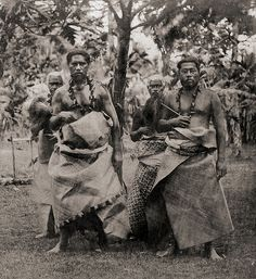 "Samoan Chiefs - Samoan Islands, Apia, Chiefs The photographer was G. Riemer, the paymaster of the SMS Hertha who took many stereoviews during the journey of the ""Hertha"" to East Asia and the Islands in the South Pacific. - by vicky Moana, Samoan Men, Samoan Food, Samoan People, Costume Ethnique, Tapas, Afrique Art, Polynesian Culture, Island Girl"