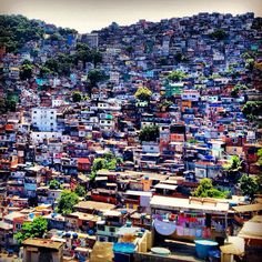 #ridecolorfully through these colorful streets --favela da rocinha