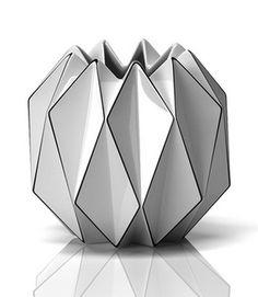 Geometric Vases origami effect . Pottery Vase, Ceramic Pottery, Ceramic Art, Origami Design, Layout Design, Design Design, Vase Design, Geometric Form, Vintage Design