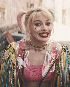 Margot Elise Robbie, Margot Robbie Harley Quinn, Harley And Joker Love, Joker And Harley Quinn, Dc Comics, Comics Girls, Harley Quinn Drawing, Harely Quinn, Color Palette Challenge