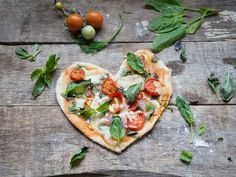 We're sharing our favorite pizza dough recipe along with an easy sauce and plenty of topping ideas to make it easy to customize your next pie. Best Homemade Pizza, Favourite Pizza, Dough Recipe, Pizza Dough, Vegetable Pizza, Pantry, Main Dishes, Mat, Food