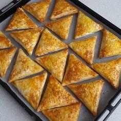 """359 Beğenme, 21 Yorum - Instagram'da Nejlanın mutfağı 58 (SİVAS ) (@nejla_bicil): """"👌Üçgen börek👌çıtır çıtır nefisss😭😭 Bir paket baklavalık yufka Bir kilo patates Bir tane kuru…"""""""