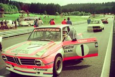 legendsofracing: Sepp Manhalter and his BMW 2002... - stay low, keep digging.