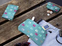 Kostenlose Anleitung: Kleines Reisetäschen nähen, DIY / free diy sewing tutorial: how to sew a travel case, small bag via DaWanda.com