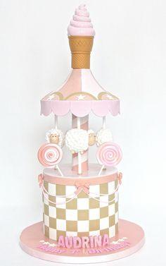 Adorable sheep carousel cake ♥