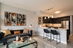 """The press is taking notice that Niche 905 is one of the """"hottest"""" new apartments in Chicago, with """"sweeping views"""" and an """"expansive suite of amenities"""". Read more from Curbed Chicago here! #MyChicagoNiche"""