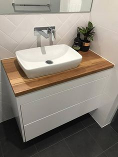 Designing a bathroom is a delicate balancing act, creating a calming atmosphere that is desirable, and functionality is paramount. Brilliant SA have redesign this small bathroom into a fresh modern space. A cleverly designed bathroom that utilized the space to be practical and clutter-free.
