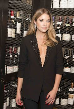November 12, 2015 - Nicole Miller & Flaunt Magazine : Dinner Honoring Ashley Benson.