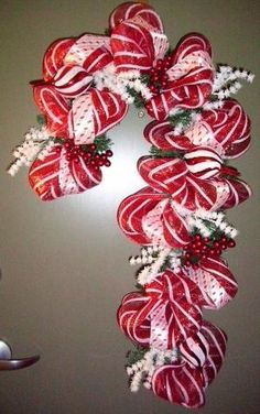 Deco Mesh Wreath How To | Deco Mesh and ribbon Candy Cane Christmas Wreath | Christmas by jody