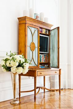 Home Tour: A Legendary New York Townhouse via @domainehome // tv storage