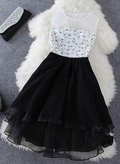 The perfect dress will find it in these elegant New Year's Eve Dresses Dress Outfits, Casual Dresses, Short Dresses, Fashion Dresses, Dress Up, Cute Outfits, Formal Dresses, Baby Dress, Pretty Dresses
